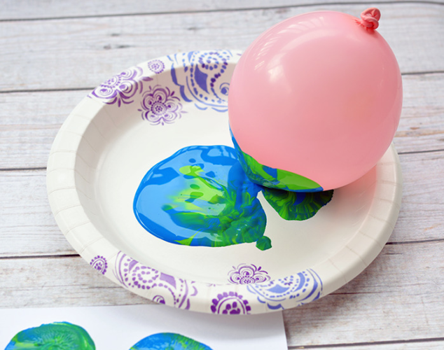 Earth-Day-Balloon-Stamping-3