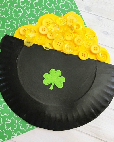 St. Patrick's Day Crafts paper plate pot of gold