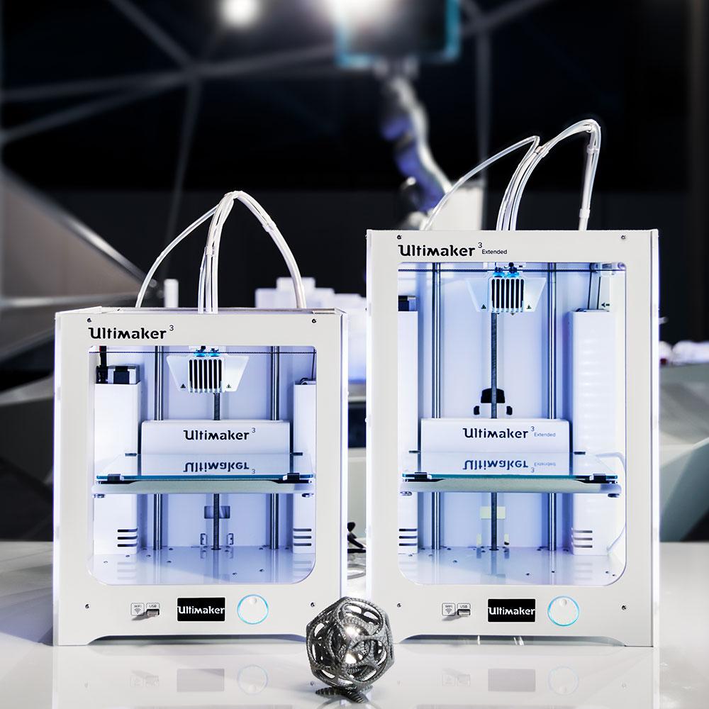 Ultimaker 3 series desktop 3D printers dual extrusion