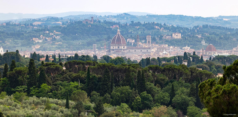 Una magica vista panoramica di Firenze immersa nel verde da Villa Le Fontanelle nella zona di Careggi