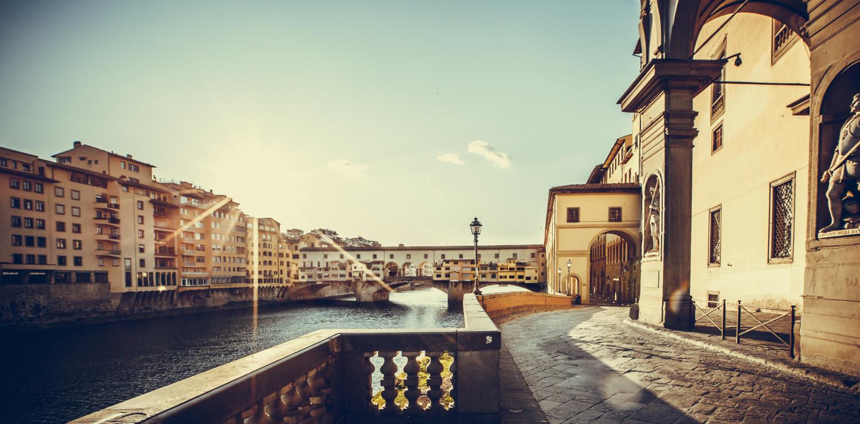 Una suggestiva Firenze lungo l'Arno