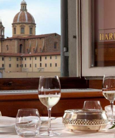 The unforgettable location of Harry's Bar Florence