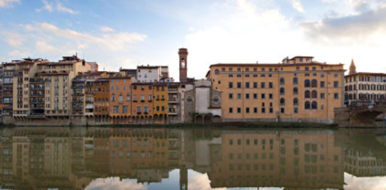 An Oltrarno view from Arno river - ph Dario Garofalo
