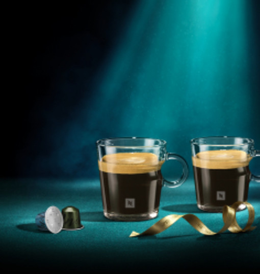 Receive two VIEW lungo or espresso cups
