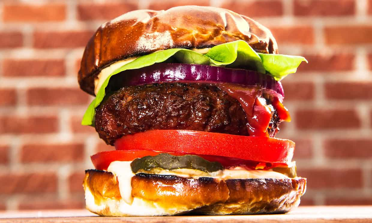 beyond meat burger looks so tasty