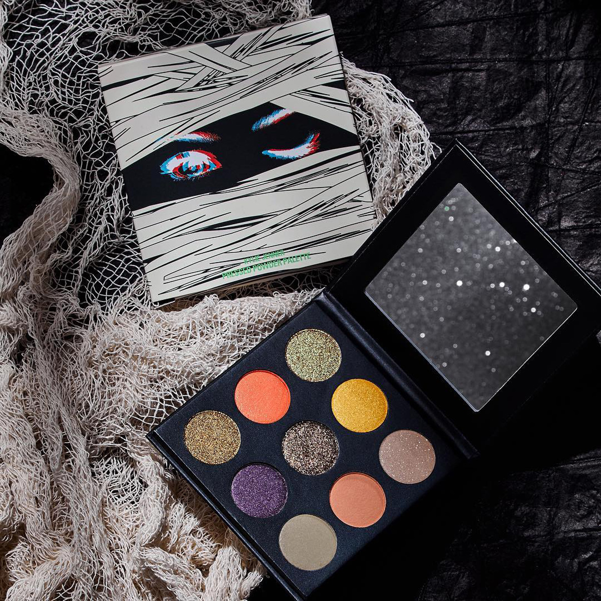 kylie-cosmetics-halloween-collection-eyeshadow-palette