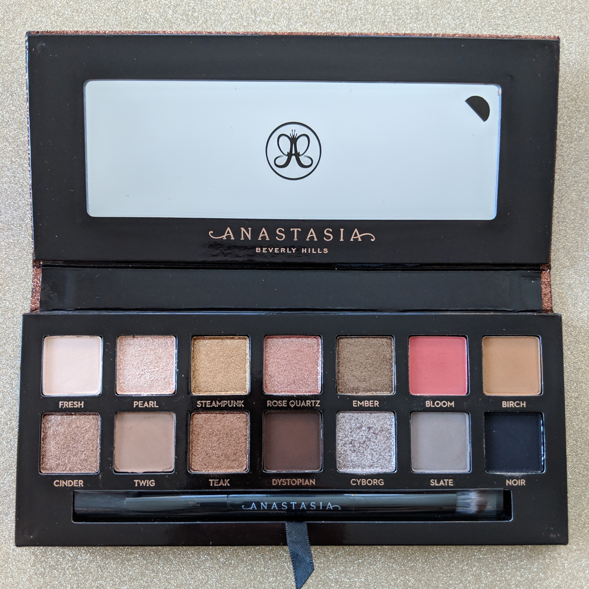 abh-sultry-eyeshadow-palette-review-front-1