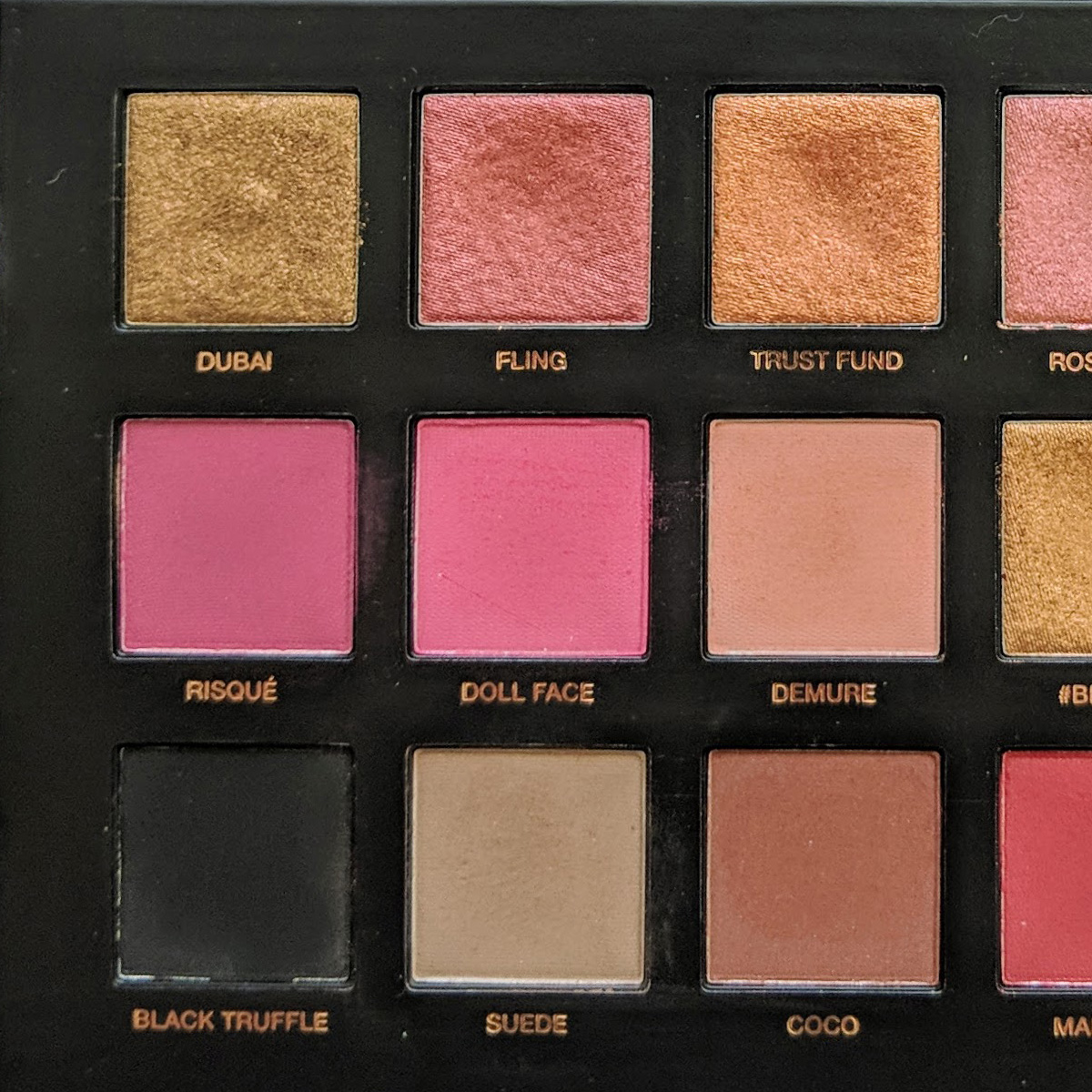 huda-beauty-rose-gold-palette-1