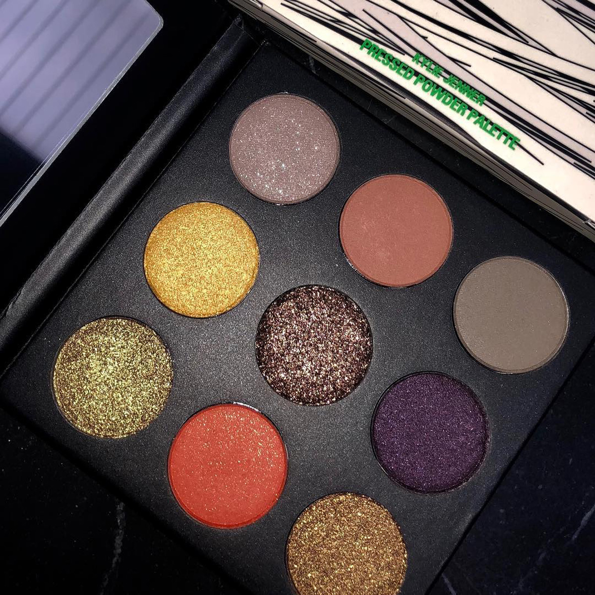 kylie-cosmetics-halloween-collection-eyeshadow-palette-1