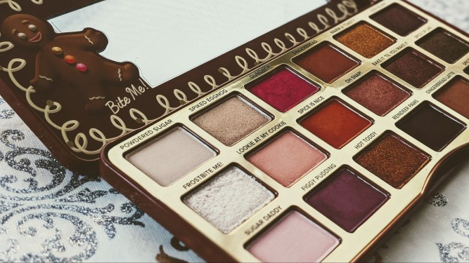 Too Faced Gingerbread Spice Eyeshadow Palette Review and Swatches