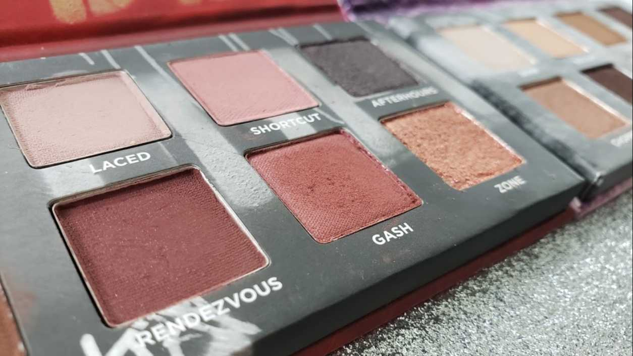 Urban Decay On The Run Mini Eyeshadow Palette in Shortcut and Bailout, Review and Swatches