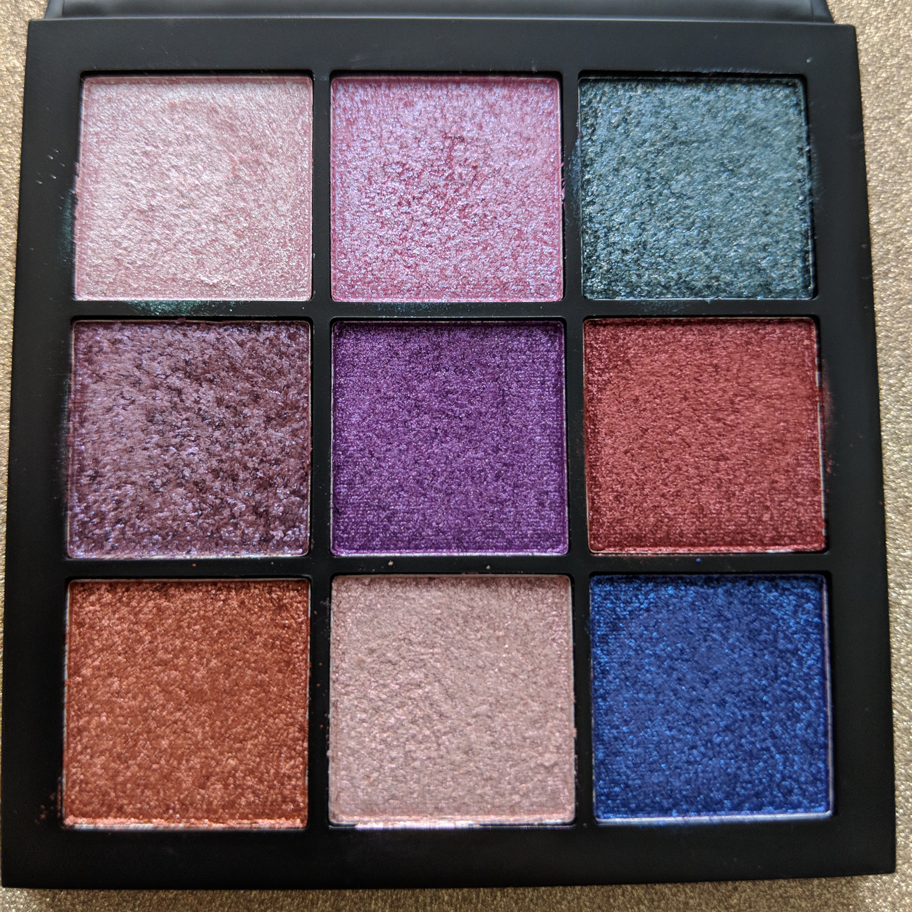 huda-beauty-gemstone-palette