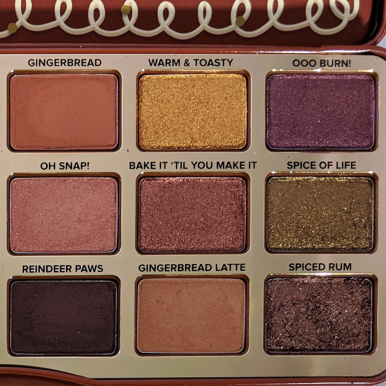 too-faced-gingerbread-spice-eyeshadow-palette-review-zoom-right