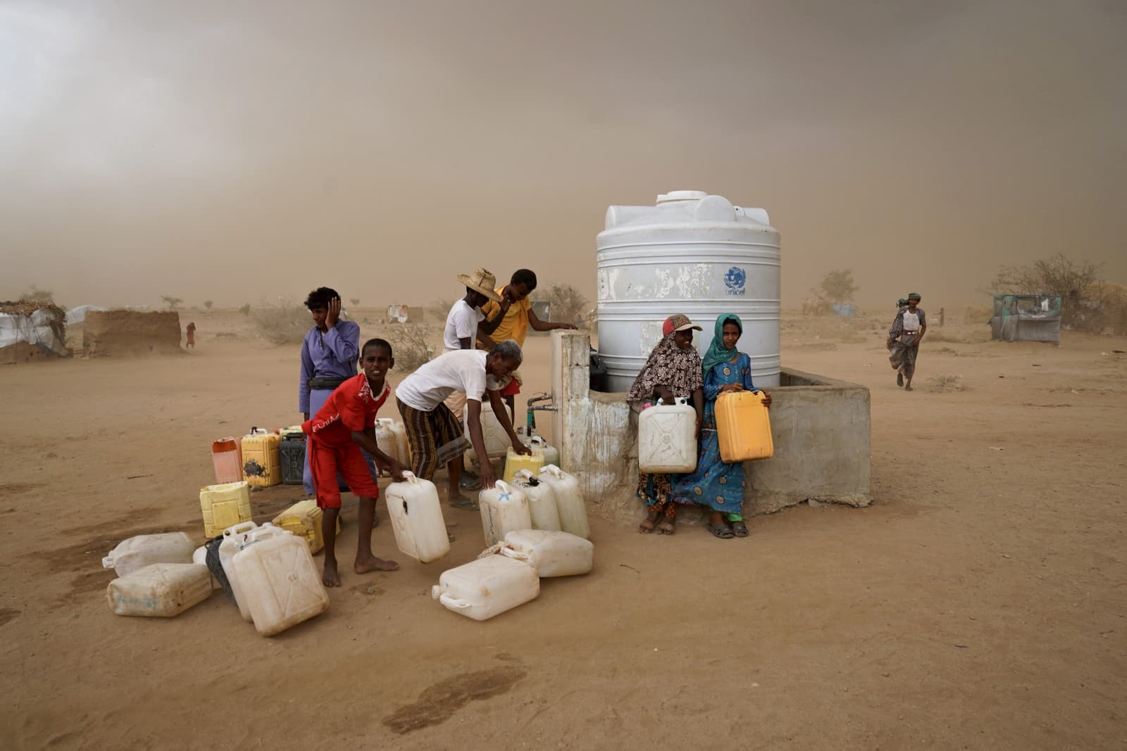 A water collection spot for displaced persons in the Abs settlement