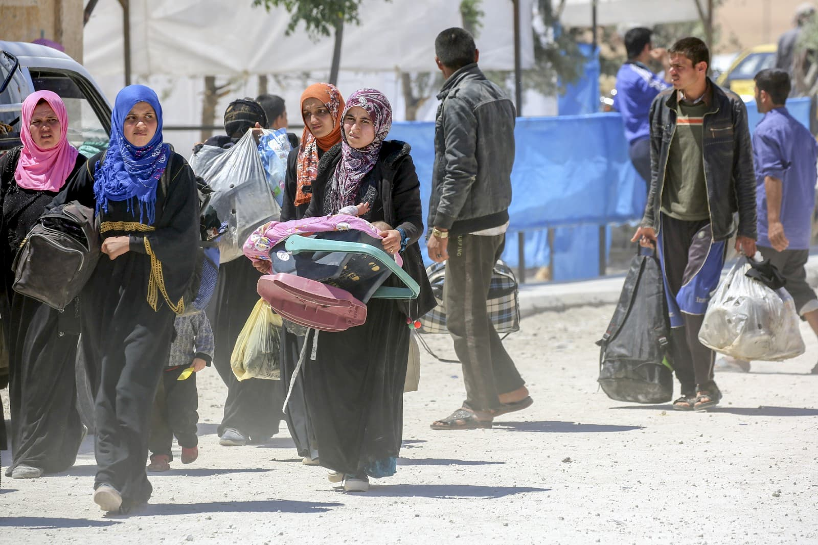 Families are seeking safety in poorly equipped temporary shelters and camps in the area