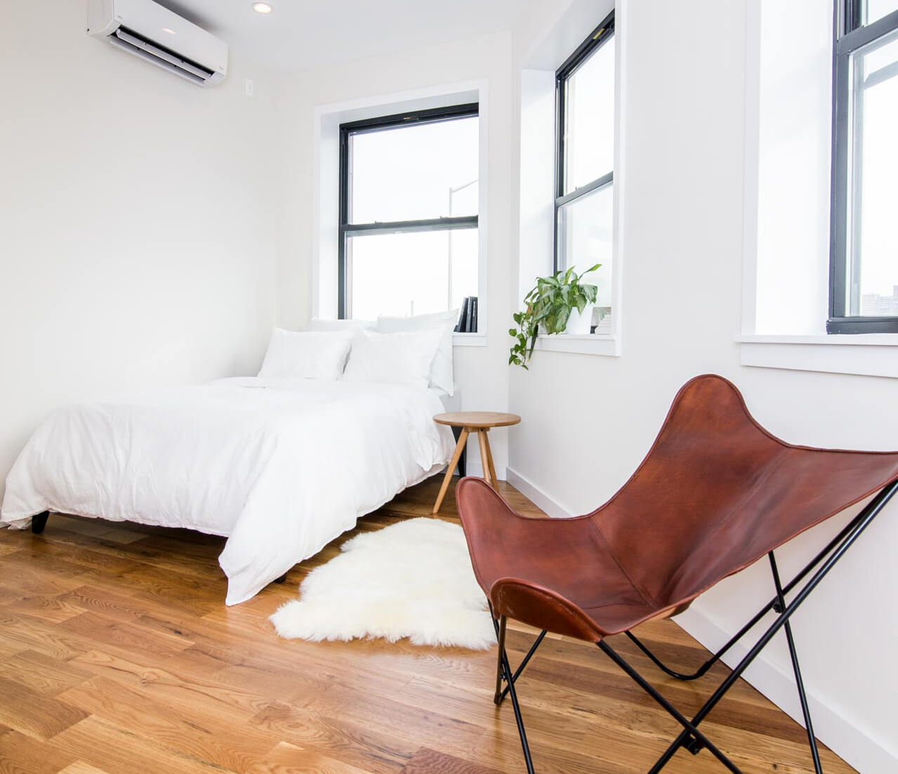 Every bedroom at Common Havemeyer in Williamsburg, Brooklyn is fully furnished.