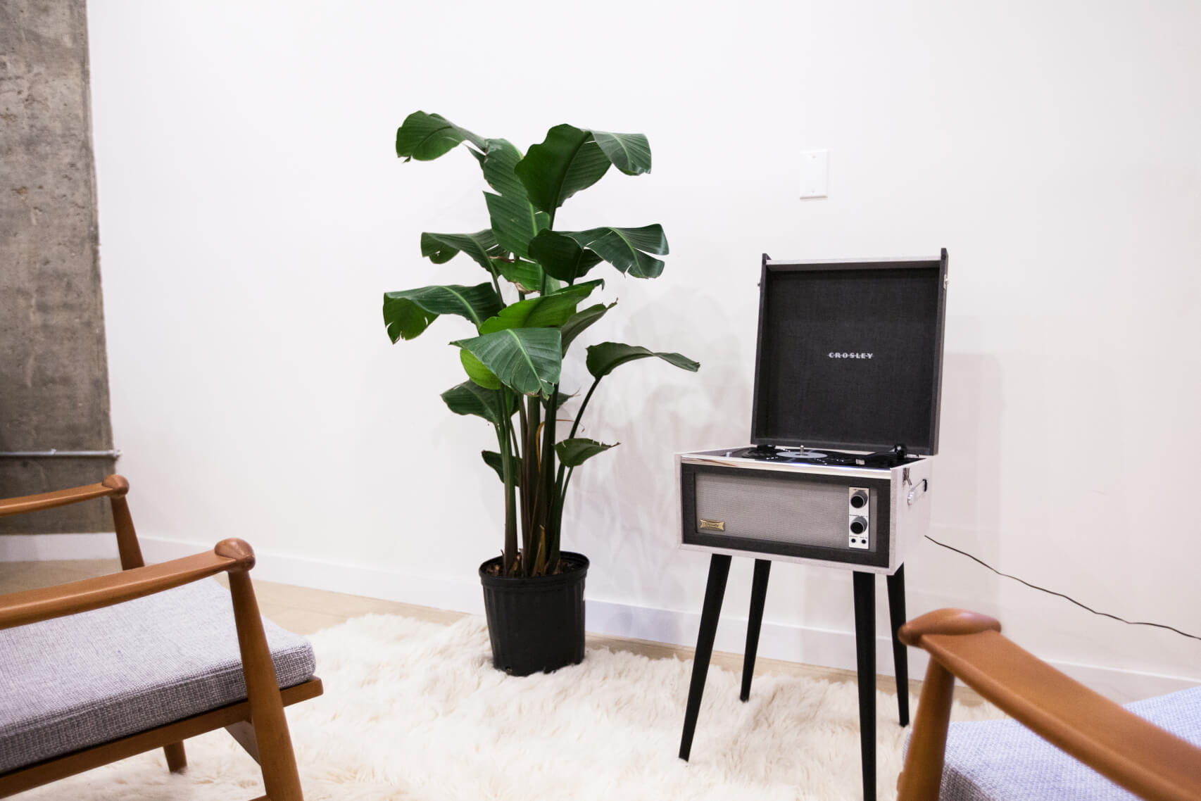 Every Common home is furnished with our members in mind. Pictured: the record player in the Common Havemeyer Lounge.