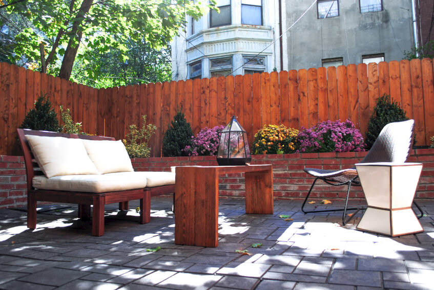 At Common Pacific in Brooklyn, New York, members have a beautiful private backyard to lounge, work, or entertain in.