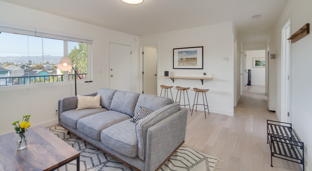 A living room at Common MacArthur in the San Francisco Bay Area