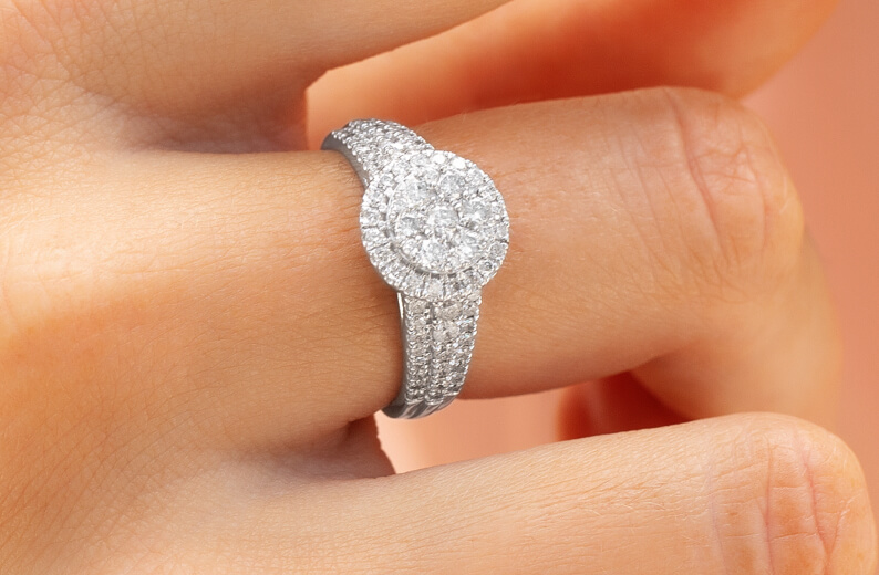 Bridal of Diamonds in White Gold