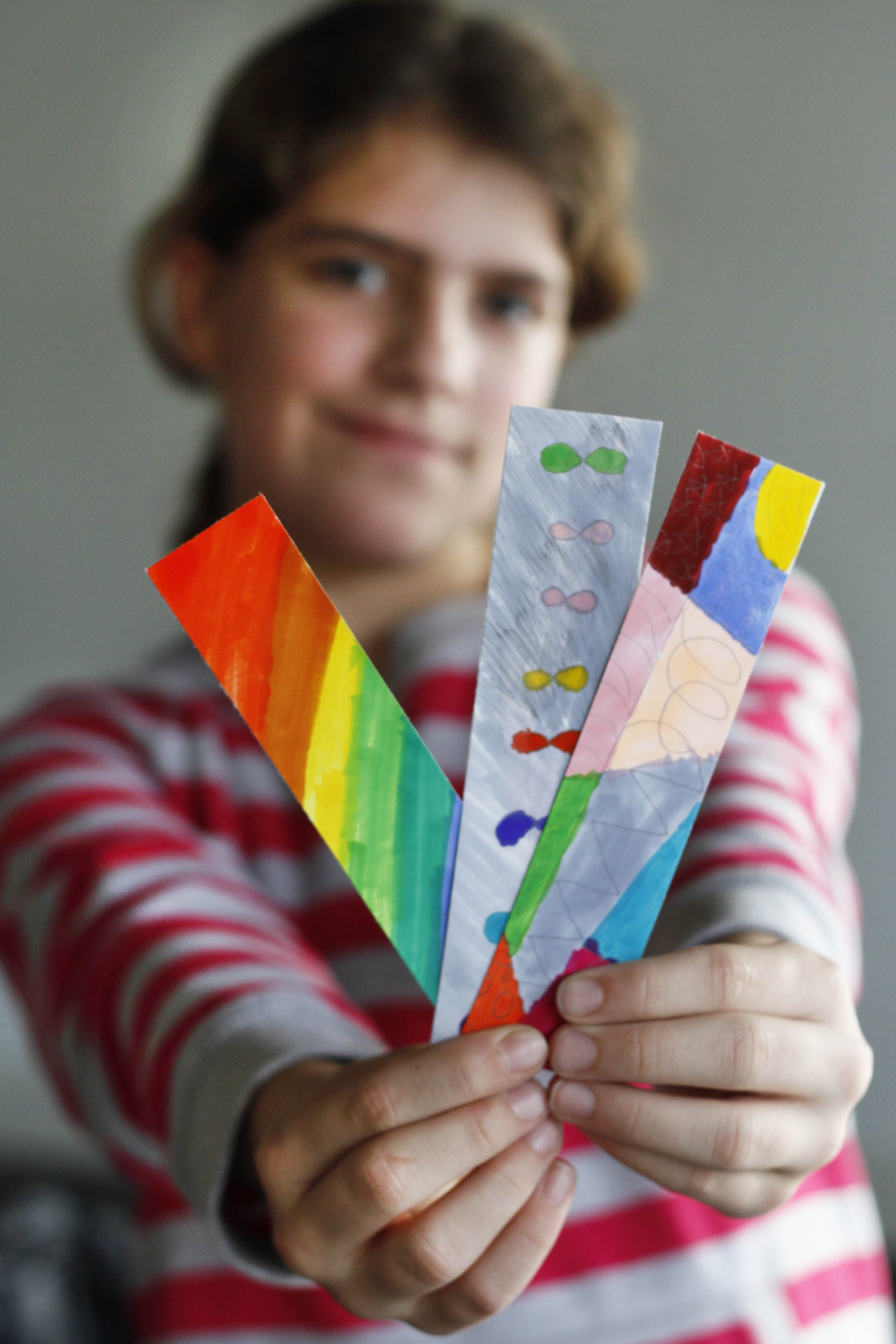These rainbow bookmarks brighten our day :)