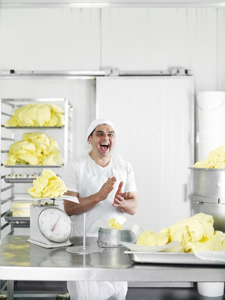 Picture of Pierra from Pepe Saya clapping with butter