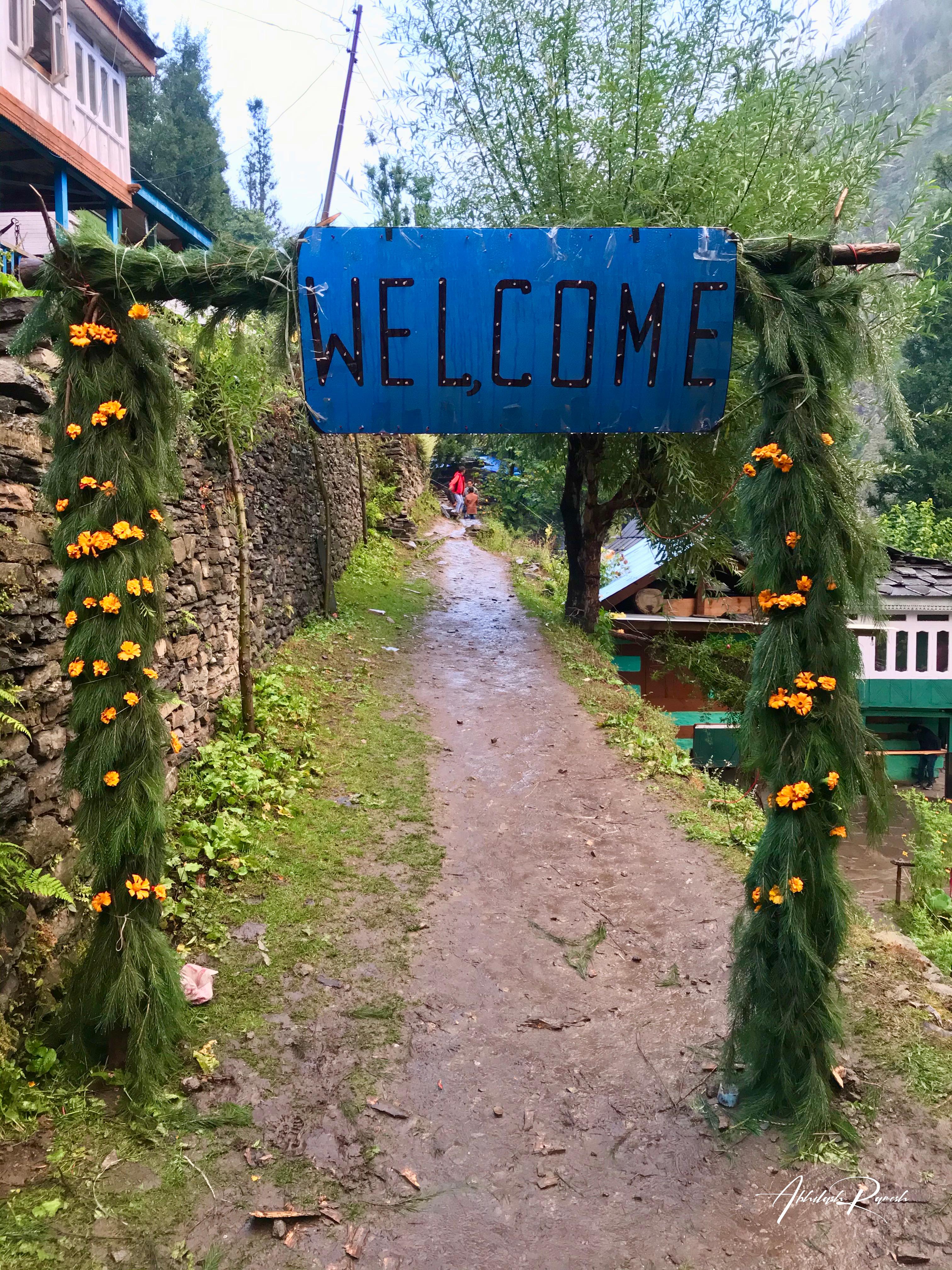Welcome sign at Jiskun