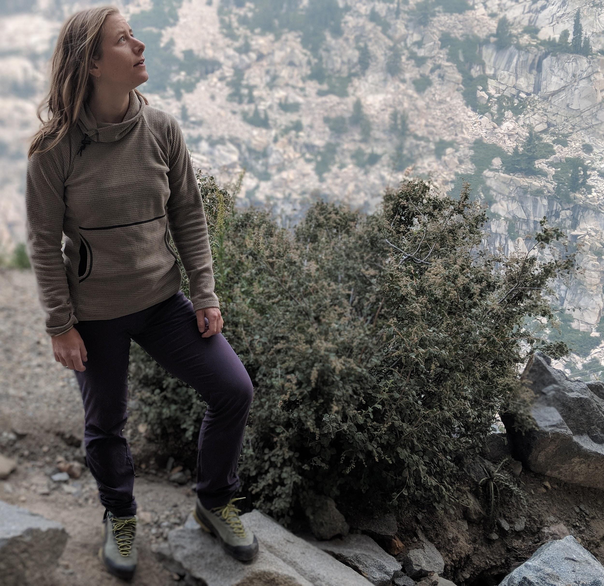 Female Rock Climbing Wearing The Mountain Hardwear Dynama Pants