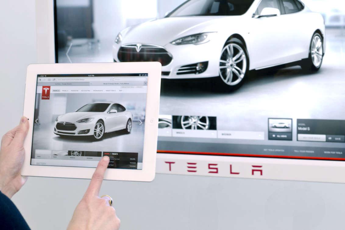 Tesla Image 08 - System