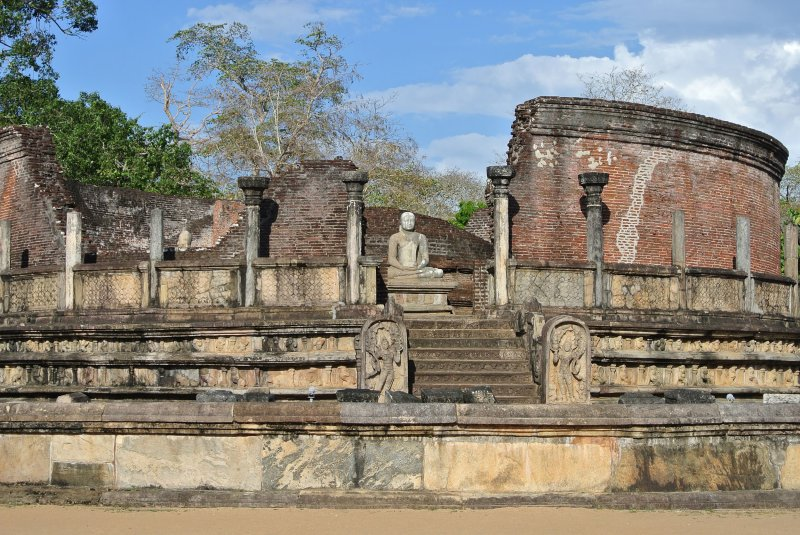 The Sacred Quadrangle in the Polonnaruwa ruins