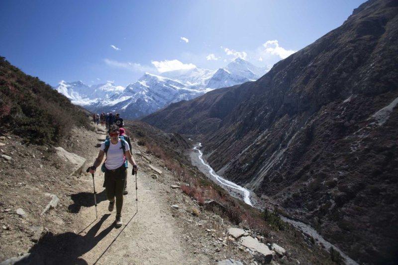 Annapurna Crcuit route trekkers