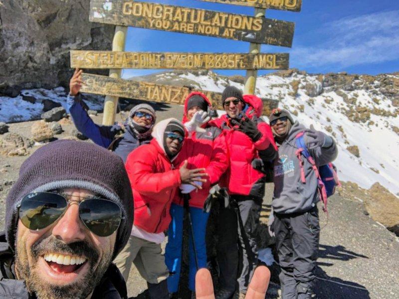 Stella Point Kilimanjaro group photo