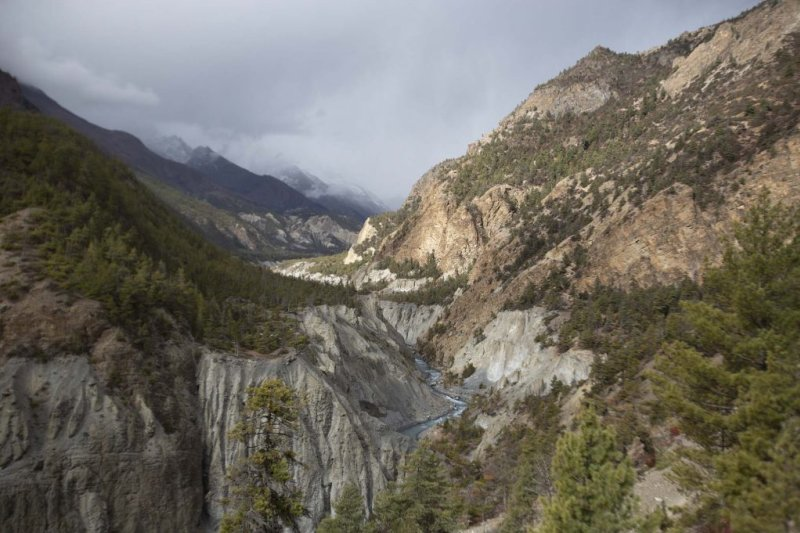 Mountains and river in Manang, Annapurna Circuit route