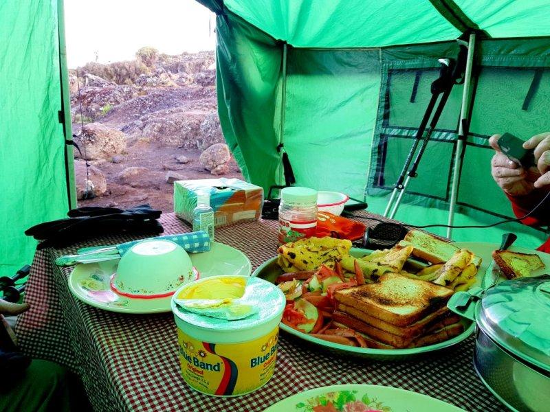 meals tent Kilimanjaro