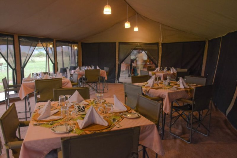 ThronTree Camp restaurant