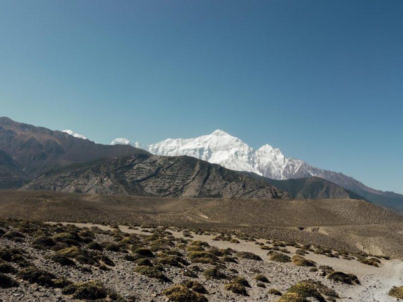 Difficult climbing among the mountains of the Annapurna circuit trek