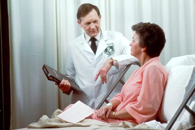 national-cancer-institute-DK--4VWK1tw-unsplash