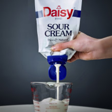 Daisy Sour Cream Case Thumb