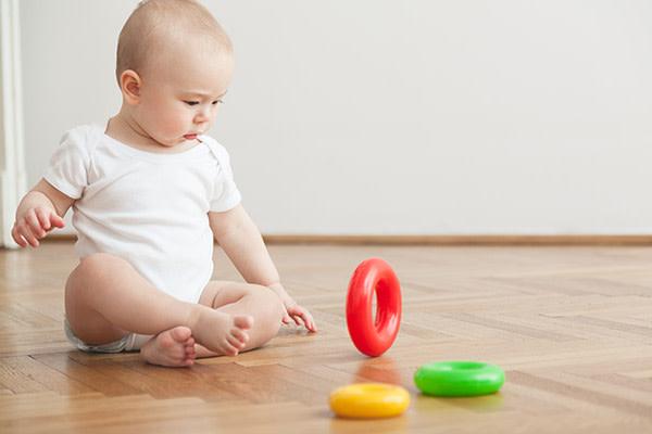 Actividades para o desenvolvimento psicomotor de bebés dos 6 aos 9 meses