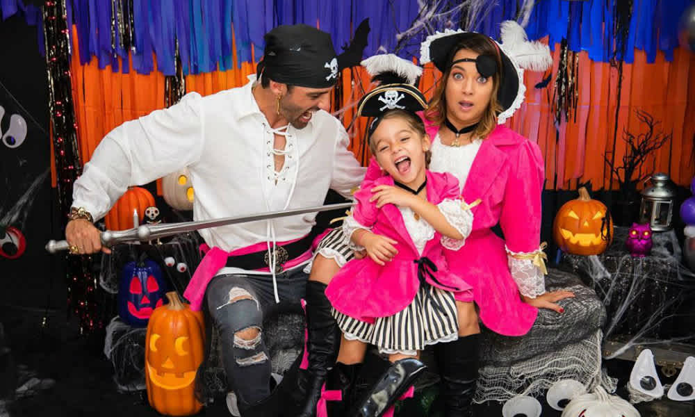 Adamary Lopez Halloween 2020 The cutest celebrity baby Halloween costumes ever | MamasLatinas.com