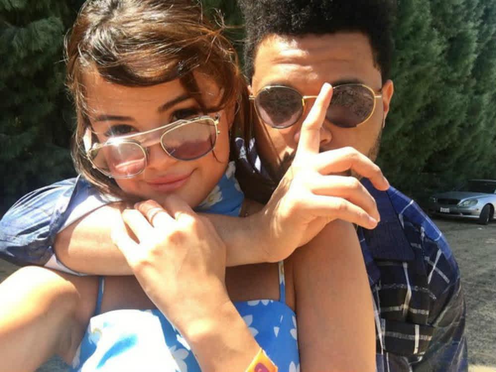 Apostó por su relación con el cantante canadiense The Weeknd.