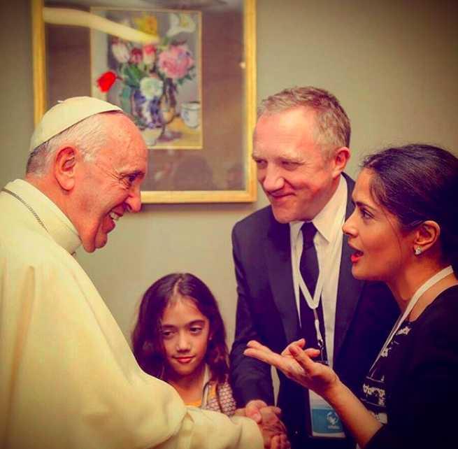 Tiene audiencia privada con el Papa Francisco.