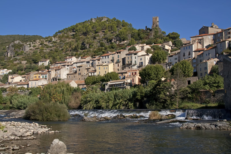 Roquebrun, en by i Languedoc.