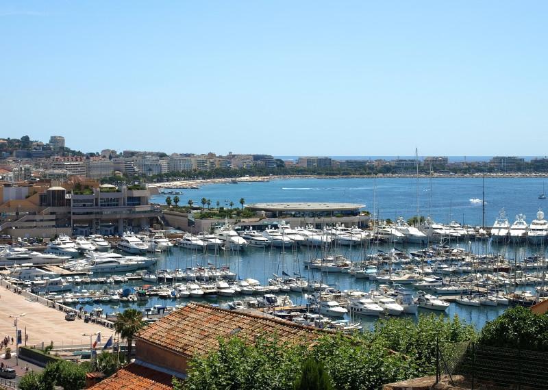 Hamnen i Cannes.
