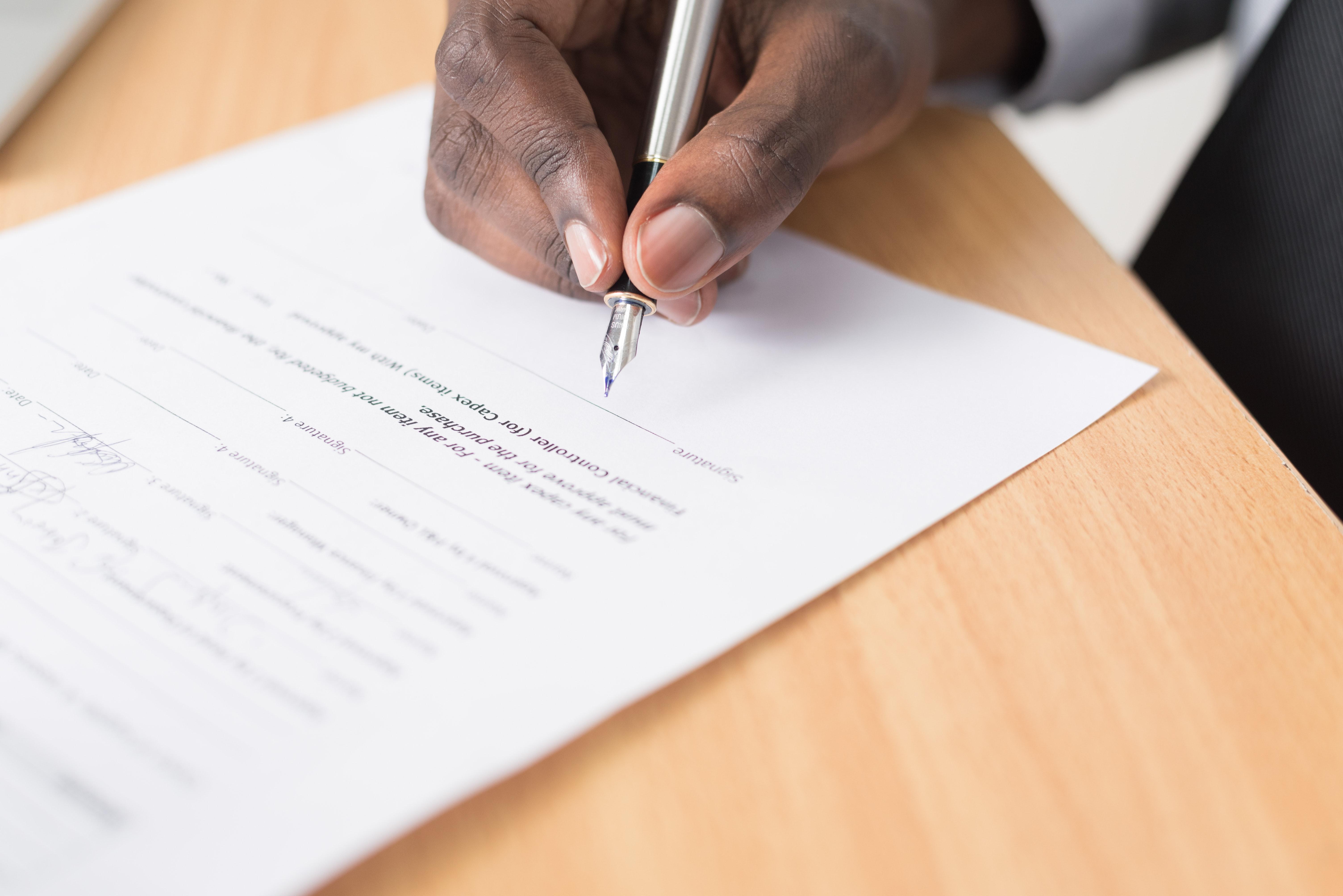Advokatfellesskapet Lovende tilbyr nå juridisk og forretningsmessig gjennomgang av dine avtaler