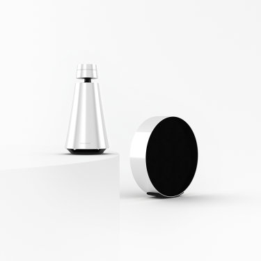 Beosound Edge and Beosound 1 product bundle in Natural aluminium