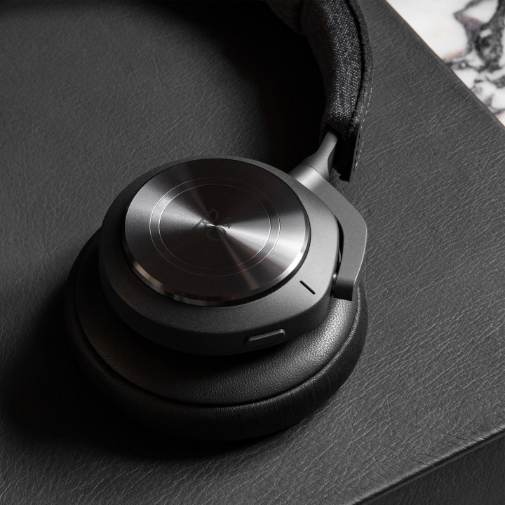 Beoplay H9 Antrachite by Norm Architect