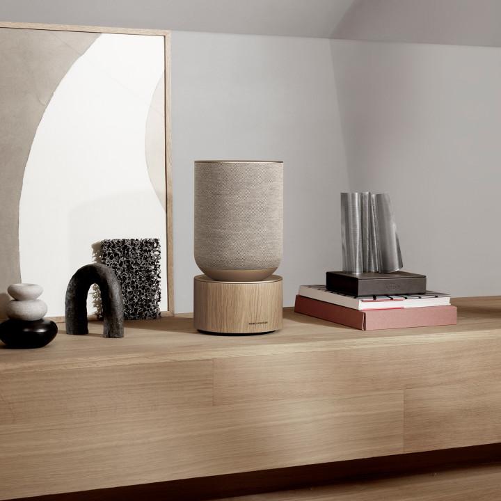 Beosound Balance Natural oak on a wooden shelf