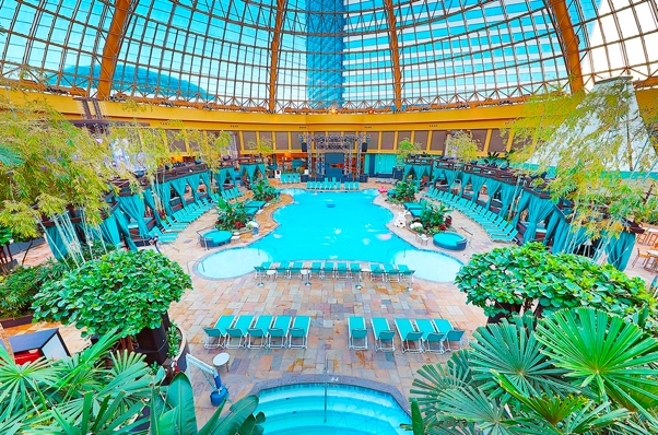 Harrahs casino pool after dark casino club de leones reynosa