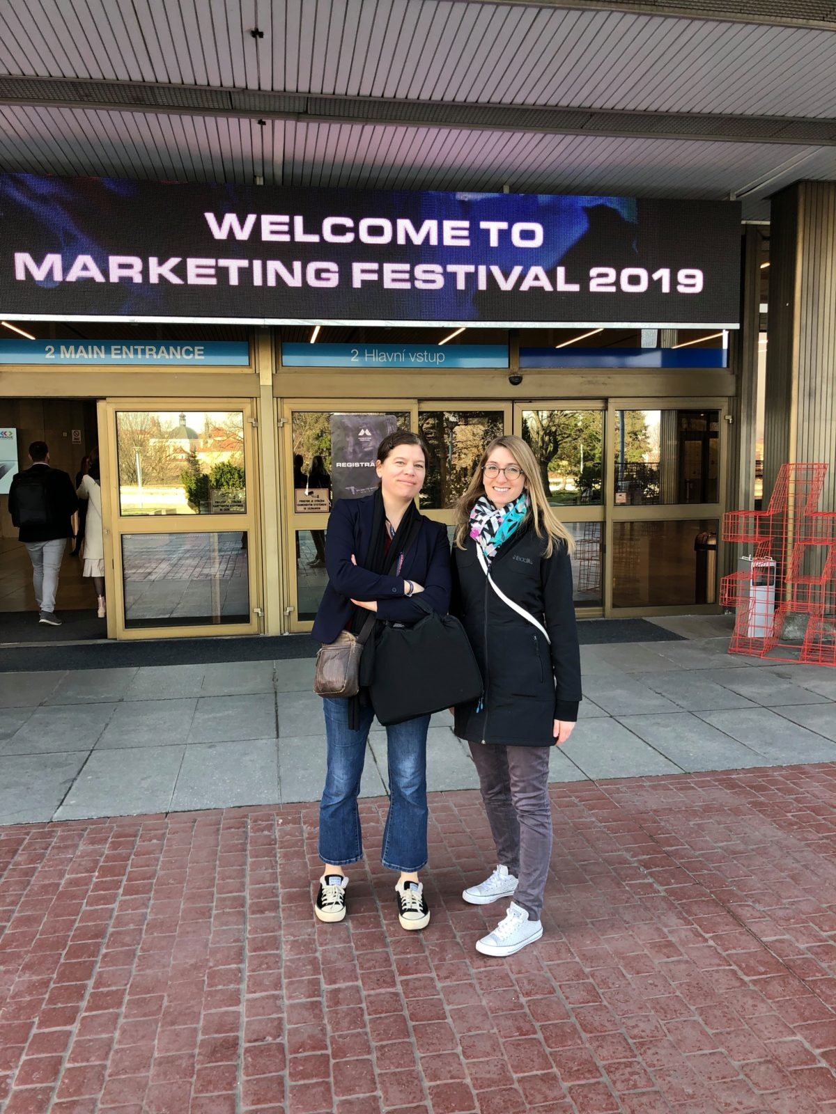 Anja and Carina outside the main conference venue